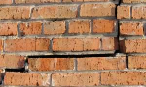 Что делать если стена отходит от дома