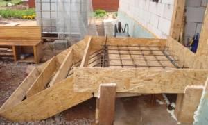 Опалубка для крыльца из бетона