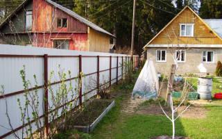 Имеет ли право сосед ставить глухой забор