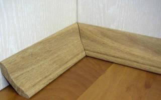 Как крепить деревянный плинтус к стене