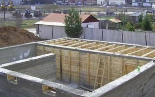 Заливка цоколя бетоном