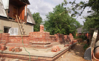 Как построить новый дом вокруг старого