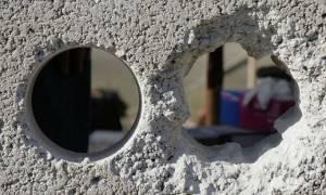 Как заделать сквозную дыру в стене