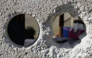Как заделать дырку в стене из бетона